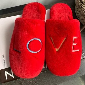 GAP love holiday edition slippers. Size large